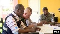 governador Norberto dos Santos em reunião sobre as cheias