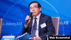 Cựu đại sứ Việt Nam tại Hàn Quốc và Triều Tiên Phạm Tiến Vân. Ảnh VNExpress