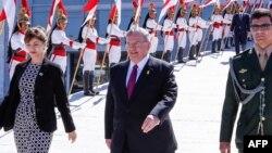 Tư liệu- Đại sứ Hy Lạp tại Brazil Kyriakos Amiridis (giữa).