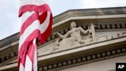 미국 수도 워싱턴의 연방 법무부 건물. (자료사진)