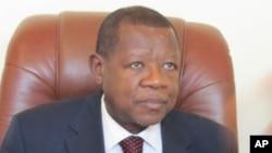 Lambert Mende, porte-parole du gouvernement et ministre de la communication et des medias en RDC, 4 avril 2012.