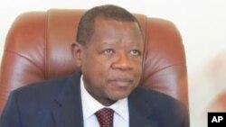 M. Lambert Mende Omalanga a bien souligné qu'il ne s'agissait pas d'un accord de paix, mais seulement de textes entérinant la fin de la rébellion du M23