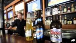 Kalau kita bepergian ke pelosok Amerika, mungkin kita akan menemukan bir yang berbahan baku padi-padian, bir yang sesuai dengan musimnya, bir rendah kalori, dan bir dengan berbagai rasa mulai dari rasa blueberry sampai labu hingga cabai (foto: Dok).