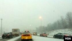 La región noreste de Estados Unidos, como es el caso del estado de Virginia, vuelve a ser afectada por una fuerte tormenta invernal.
