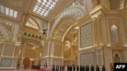 習近平出訪阿聯酋等國和中國時局