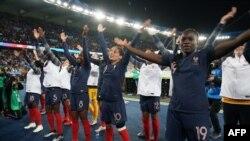 Basani ya ndembo ya ekolo France nsima na elonga likolo ya Corée du Nord na Coupe du monde ya basi, Parc de Prince, Paris, France, 7 juin 2019.