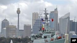 """9月20日中国""""绵阳""""号导弹护卫舰驶进悉尼港口"""
