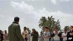 在米蘇拉塔受訓的反政府武裝成員