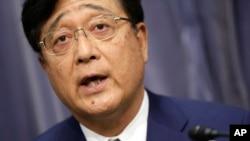 三菱汽車公司董事長兼首席執行官益子修在東京的記者會上