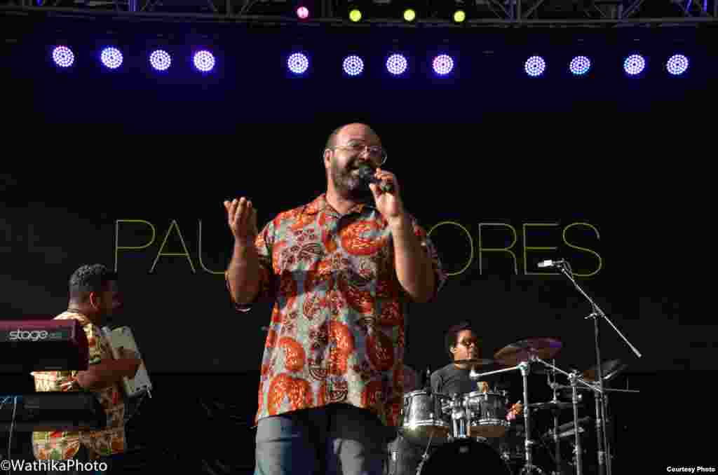 Paulo Flores actuando em Nova Iorque, no Summerstage 2016