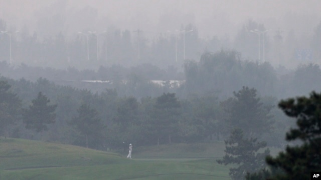 A hazy day at Pine Valley Golf Club on the outskirts of Beijing, China, Oct. 6, 2013.