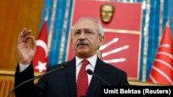 Seçimlerde milletvekili olarak yeniden aday gösterilmeyecekleri ve CHP Genel Başkanı Kemal Kılıçdaroğlu'nun üzerini çizdiği iddia edilen isimler ile yol ayrılığı süreci başladı