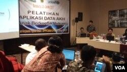 UNICEF gandeng Pemda di Jawa Tengah susun aplikasi anak rentan sosial. (Foto: Yudha/VOA)