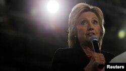 Aunque el periódico de Dallas reconoce los problemas de Clinton, considera que es la candidata de mayor experiencia.