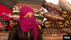 Cô Soham Mohamed, 18 tuổi, trốn thoát 6 tháng sau khi bị bắt. Cô Soham cho biết cô bị hiếp dâm liên tục và bị đánh đập cho đến cách đây một tháng khi cô trốn thoát được.