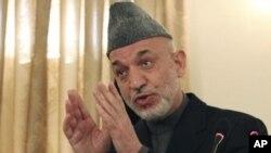 آغاز مواصلت نمایندگان کشورهای جهان به کابل؛ دیدار نماینده دو کشور با حامد کرزی