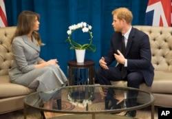 عکسی از دیدار خانم ترامپ و شاهزاده بریتانیایی