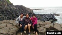 Từ trái sang, chị Trần Thị Thanh Loan, Nguyễn Thị Phúc và Trần Thị Lụa