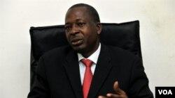 Pemerintah militer sementara menunjuk Jenderal Siaka Toumany Sangare dari Mali untuk mengabil alih jabatan Presiden Guinea.