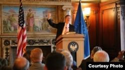 国会科技与太空事务委员会主席拉马尔.史密斯在国会图书馆发表演讲(照片来自拉马尔.史密斯议员办公室)