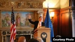 拉馬爾史密斯在國會圖書館發表演講(照片來自拉馬爾史密斯議員辦公室)