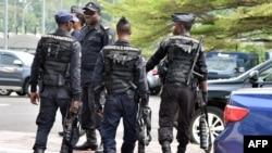 Des policiers dans les rues de Malabo, Guinée équatoriale, le 3 février 2015.