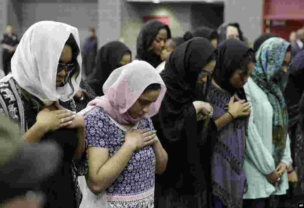 جنازے کی سب سے اہم چیز مسلمانوں کا آنجہانی باکسر کے لیے دعا میں شریک ہونا تھا۔