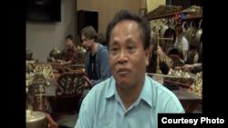 Ki Midiyanto, dalang dan dosen gamelan di universitas Berkeley di California (dok: VOA)
