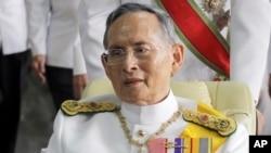 푸미폰 아둔야뎃 태국 국왕. (자료사진)