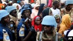 Des soldats de l'ONU dans le quartier de PK5, à Bangui, le 30 novembre 2015.