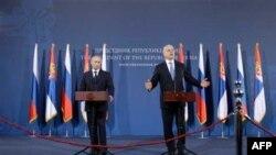 Premijer Rusije Vladimir Putin i predsednik Srbije Boris Tadić na konferenciji za novinare u Beogradu