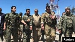 Fermandarên Amerîkî û yên YPG
