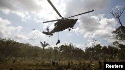 En una operación conjunta entre el ejército y la fuerza aérea colombiana, 20 guerrilleros de las FARC murieron al ser bombardeado el campamento en el que se encontraban.