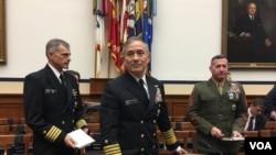 美军太平洋司令部司令哈里斯上将2018年2月14日在国会作证(美国之音莉雅拍摄)