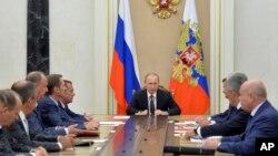 Владимир Путин провел совещание членов Совета Безопасности. Россия, Москва, Кремль, 11 августа 2016.