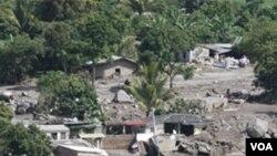 Vistas aéreas del desastre de Verapaz, San Vicente, ocurrido el 8 de Noviembre del 2009. Aproximadamente 20 personas murieron y hubo miles de damnificados.