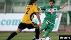 Le Syrien Firas al-Khatib, à droite, lors d'un match au Koweit, le 19 mai 2009.