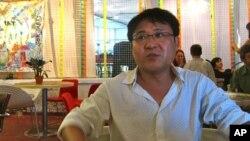 지난해 6월 국제시인올림픽에 참가할 당시 런던에서 탈북자 장진성 씨.