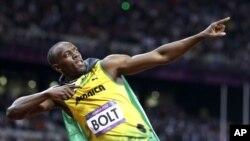 런던 올림픽 남자 육상 100m 종목에서 금메달 획득 후 승리 세레모니를 하는 자메이카의 우사인 볼트 선수.