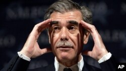 La experiencia en la gestión de Bain Capital y del estado de Massachussets es un aval, según Gutiérrez, de que Romney tiene la experiencia para mejorar la situación económica de EE.UU.