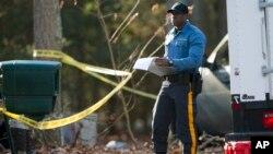 La policía investiga las causas de la muerte del individuo.