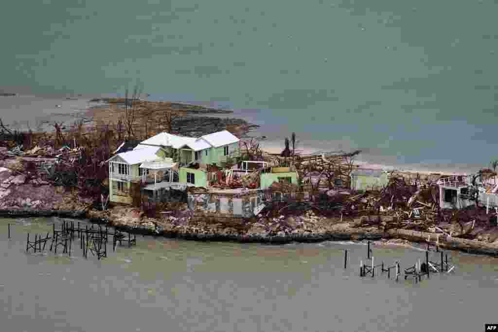 초강력 허리케인 '도리안'이 바하마의 그레이트 애버코 섬을 강타한 후의 모습이 상공에서 찍혔다.