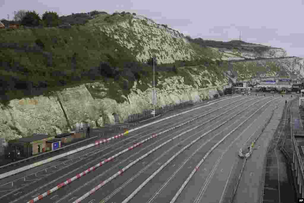 Britaniya - Dover limanına gedən yolCOVİD-ə görə bağlanıb
