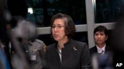 Bà Yanghee Lee trao đổi với các phóng viên tại Rangoon khi kết thúc chuyến thăm Miến Điện kéo dài 10 ngày.