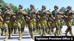 تاجیکستان ویلي پلان لري شل زره عسکر د افغانستان سره په ګډې پولې ځای پر ځای کاندي.