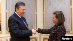 Виктор Янукович и Виктория Нуланд