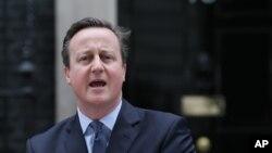 លោកនាយករដ្ឋមន្ត្រីអង់គ្លេស David Cameron ធ្វើសេចក្តីថ្លែងការណ៍មួយនៅខាងក្រៅគេហដ្ឋានរបស់នាយករដ្ឋមន្រ្តី ក្នុងក្រុងឡុងដ៍ កាលពីថ្ងៃទី២០ ខែកុម្ភៈ ឆ្នាំ២០១៦។