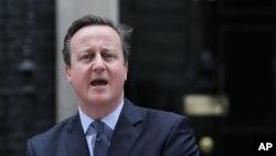 英國首相卡梅倫星期六在唐寧街10號官邸外宣布,今年6月23日將進行英國是否繼續保持歐盟身份的全民公決。