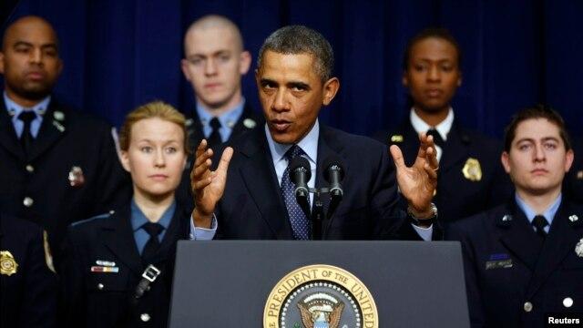 Tổng thống Hoa Kỳ Barack Obama kêu gọi Quốc hội ngăn chận những khoản cắt giảm tự động đối với các chương trình quốc nội và quốc phòng.