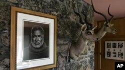 海明威的画像挂在他在爱达荷州的故居里